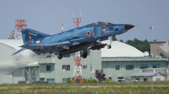 RF-4E takeoff Hyakuri