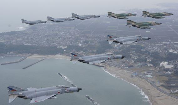JASDF F-4 formation
