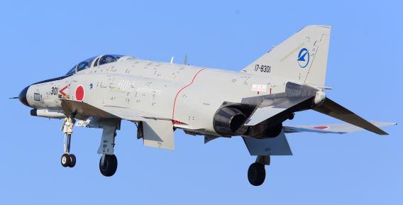 17-8301 F-4EJ