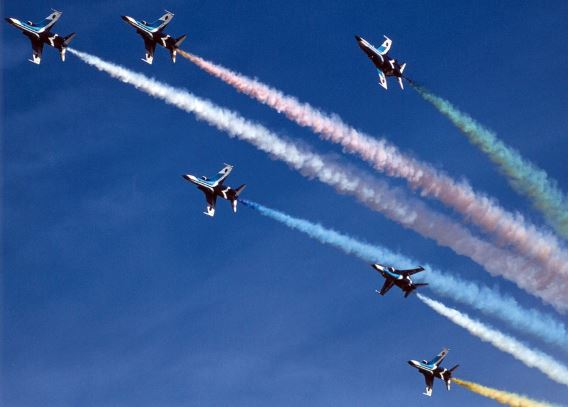 Blue Impulse final T-2 show